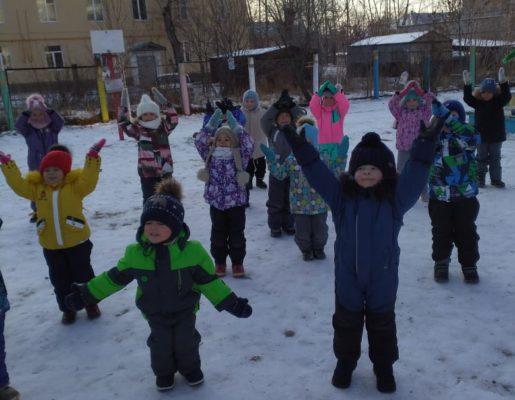 «Любят вместе танцевать воспитатели и дети!»